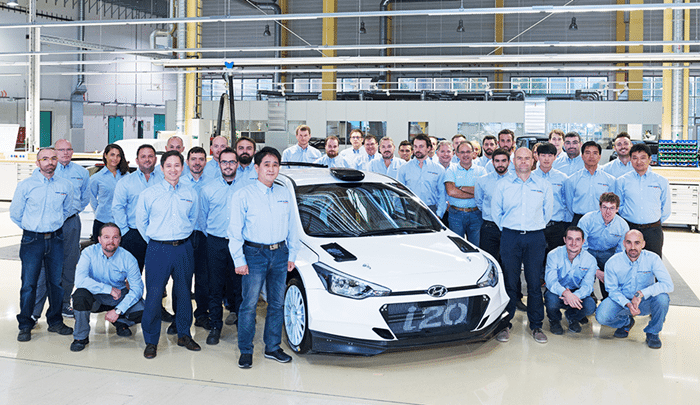 Primul client isi ia in primire noul model R5 dezvoltat de Hyundai