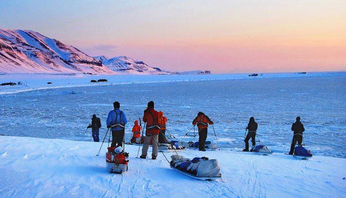 Semne de schimbare in zona arctica – observatii din calatoria lui David Hone