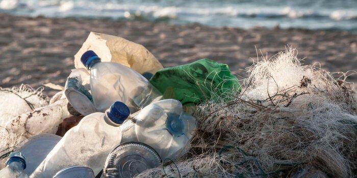 Renunta la plastic