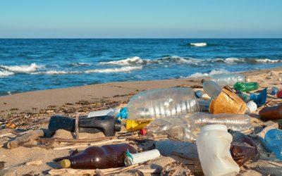 Combaterea poluarii cu plastic pentru un viitor mai verde