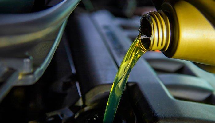 Cum sa alegi uleiul de motor adecvat pentru masina ta?