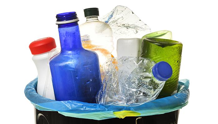 Cetatenii americani si britanici – cele mai mari surse de deseuri de plastic din lume